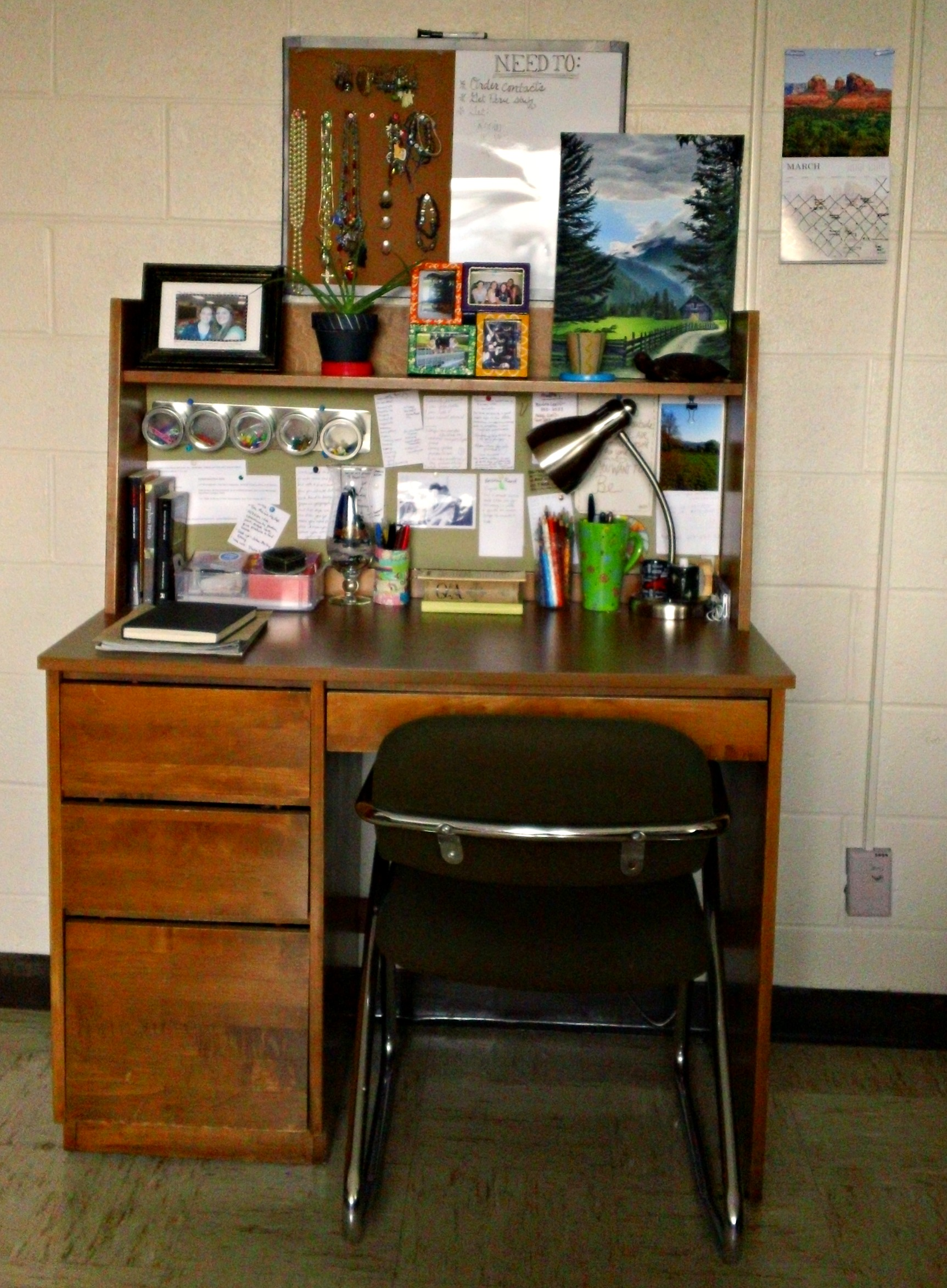 Dorm Room Update Desk Area And Wall Decorations The Oke Den