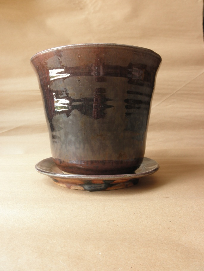 Medium flower pot and plate