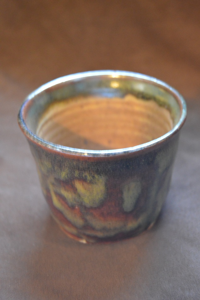 Medium cup