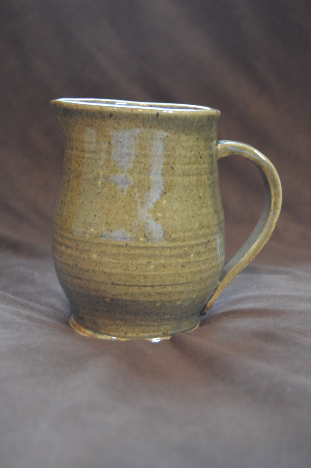 Medium pitcher