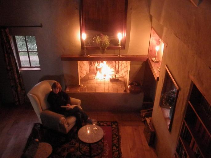 Dusk at Fynboshoek Cottage