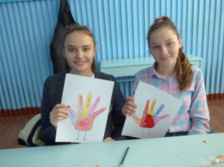 """Turkey Hands"" with the things they are thankful for"
