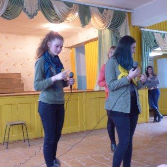 """""""Serata""""- Two 9th graders compete in """"The Best Student"""" game"""